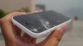 broken-cell-phone-screen